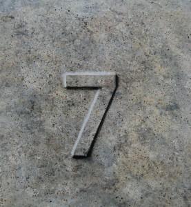 Syv malet i Granit